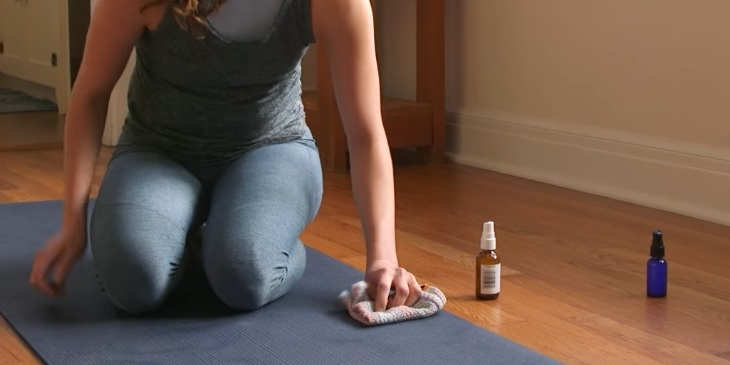 How to clean a yoga mat and prevent infections